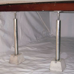 crawl space jack posts installed in an encapsulated crawl space in Woodruff